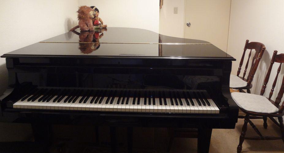 そこに楽器があったら弾ける曲を作りましょう。